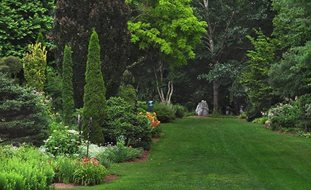 Perfect Long_lawn__hex_rock_pampenick_bedrockgardens3 Garden Design Calimesa, CA