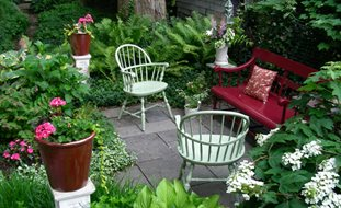 Elegant Small Garden, Big Interest Eric Sternfels (Homeowner) Philadelphia, PA
