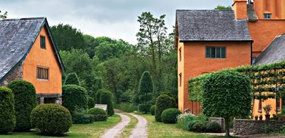 Arne Maynard's Rustic Home in Wales, Photo Gallery Arne Maynard London, England