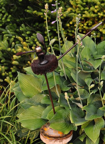 "08_tiny_ballerina_sculpture_pampenick_bedrockgardens ""Dream Team's"" Portland Garden Garden Design Calimesa, CA"