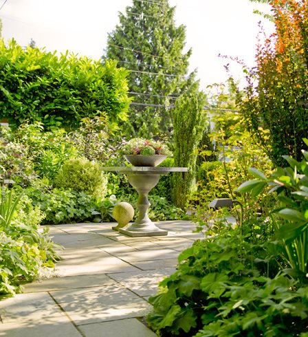 Small Garden, Entry Garden Scot Eckley Inc. Seattle, WA