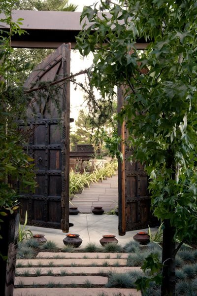 A Pasadena Garden by Heather Lenkin Garden Design Calimesa, CA