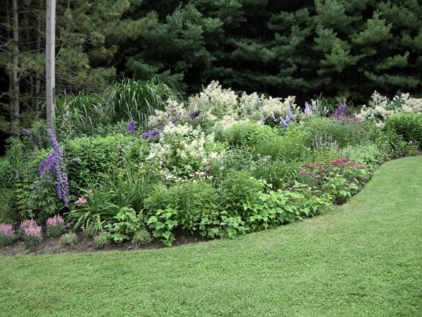 Perennial Plant Garden Design basic design principles and styles for garden beds A Rustic Perennial Paradise Plant Paradise Country Gardens Caledon On