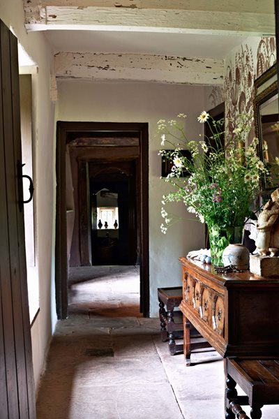 Arne Maynard's Rustic Home in Wales, Photo Gallery Garden Design Calimesa, CA