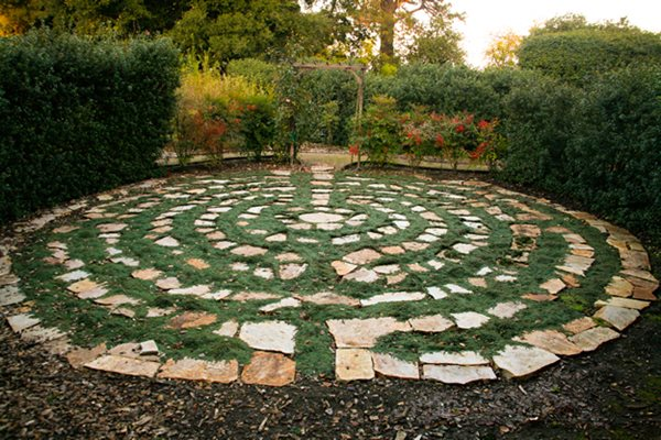 Garden photos from napa gallery garden design for Garden labyrinth designs