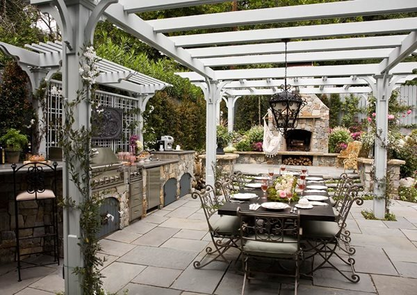 Heather Lenkin S Victorian Inspired Outdoor Kitchen