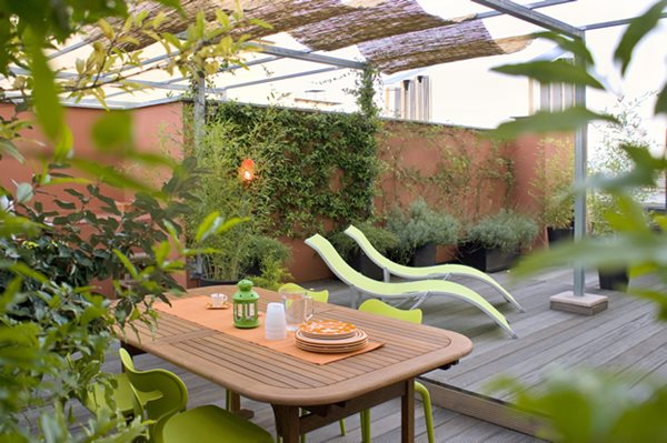 Italy green terrace roof garden gallery garden design for Rooftop landscape design