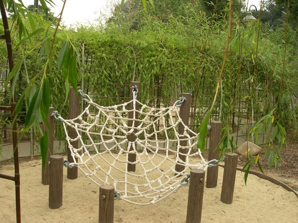 Playgrounds gallery garden design for Children friendly garden designs