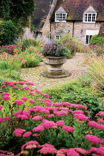 Pictures Of Garden Pathways And Walkways: Sarah Price's Gardens - Gallery