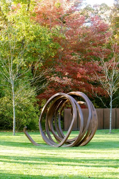 Autumn Garden, Outdoor Sculpture The Art of Autumn Lisa Roth - Landscape Architect Devon, PA