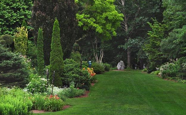 "Long_lawn__hex_rock_pampenick_bedrockgardens3 ""Dream Team's"" Portland Garden Garden Design Calimesa, CA"