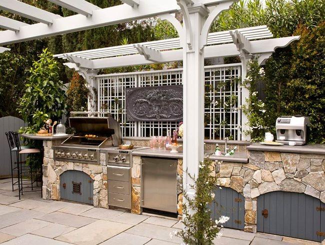Romantic Outdoor Kitchen by Heather Lenkin | Garden Design. Garden Design - outdoor herb garden design