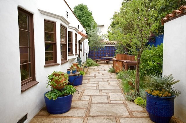 Laura Mortons Moorish Inspired Outdoor Kitchen Garden Design
