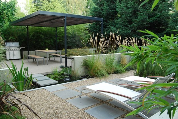 Designing a contemporary garden with warmth garden design for Garden design ideas for medium gardens