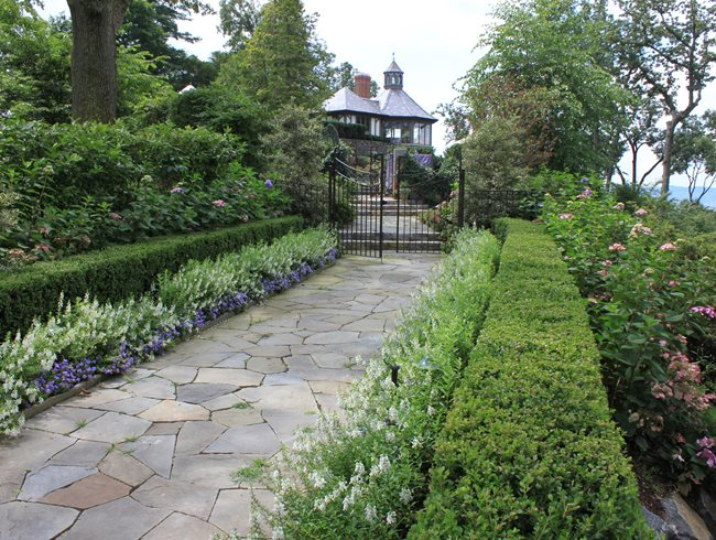 8 Landscape Design Tips For Creating An Enticing Garden