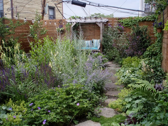 A garden grows in brooklyn gallery garden design for Landscape design new york
