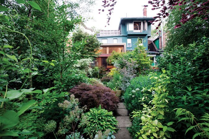Toronto shade garden gallery garden design for Garden design ideas canada