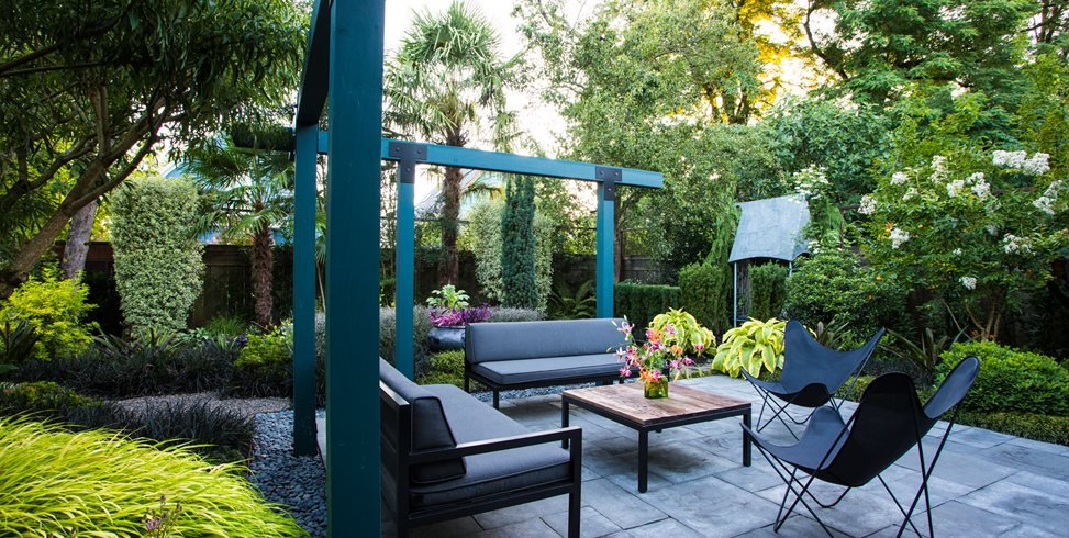 Garden Design Tropical small garden gets tropical makeover | garden design