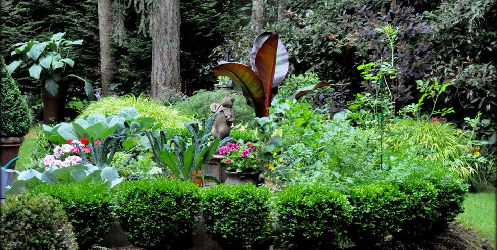 Kitchen Garden, Statue  Garden Design Calimesa, CA