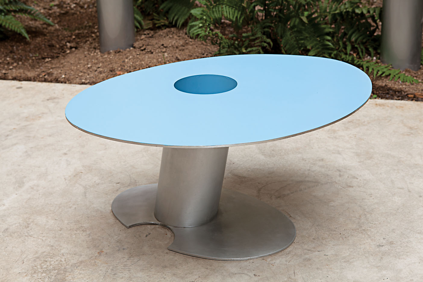 Garden Design - Joel Shapiro Mod Patio Table
