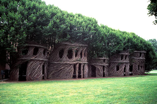 Patrick Doughterty tree house2