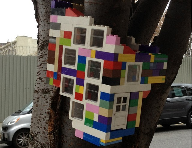 lego bird house
