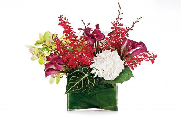 Flower arrangement by Banchet Jaigla