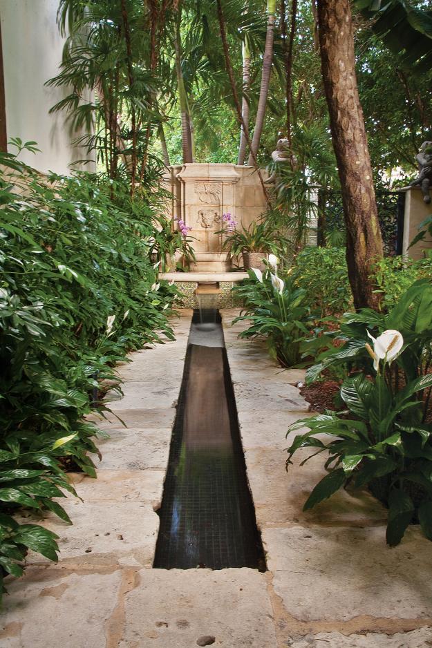 Garden Design, Palm Beach garden fountain