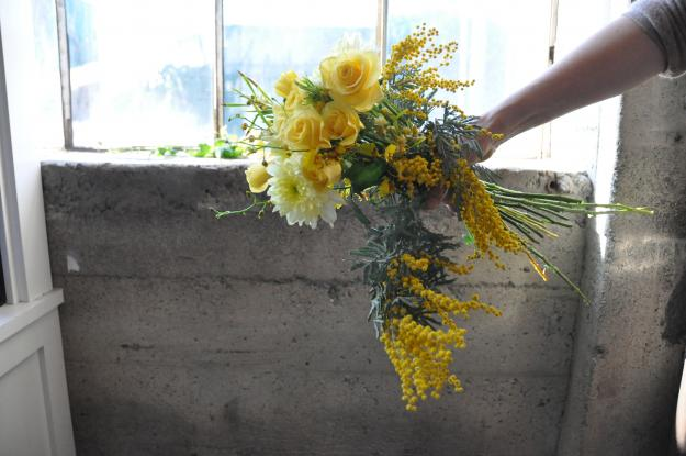 DIY yellow hand-held bouquet