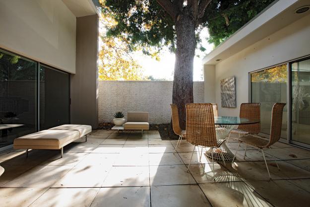 perrin courtyard