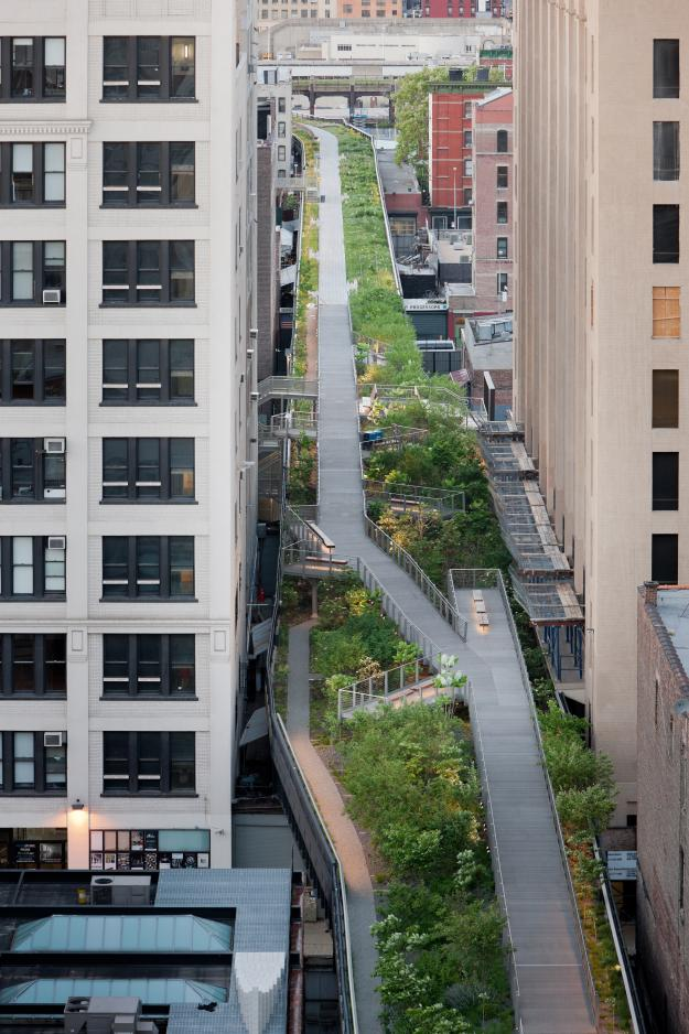 high_line_falcone_flyover