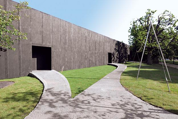 serpentine gallery Peter Zumthor