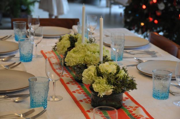 juniper carnation holiday arrangement 4