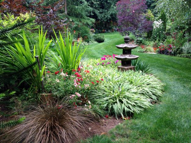 Eclectic Woodinville Garden