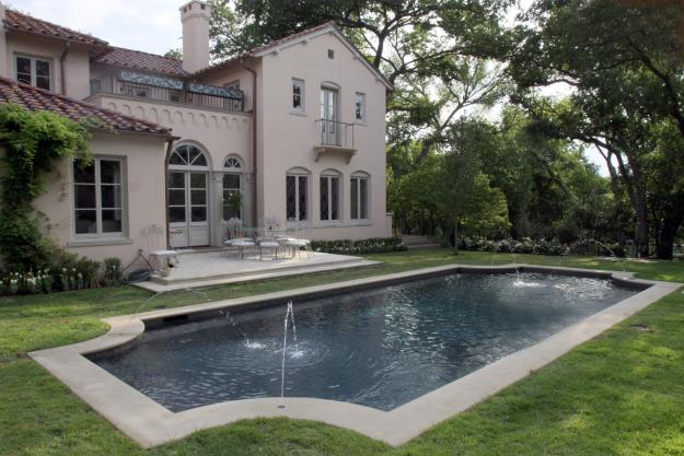 French Pool Limestone Edging