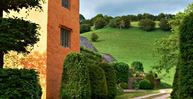 Arne Maynard's Rustic Home in Wales